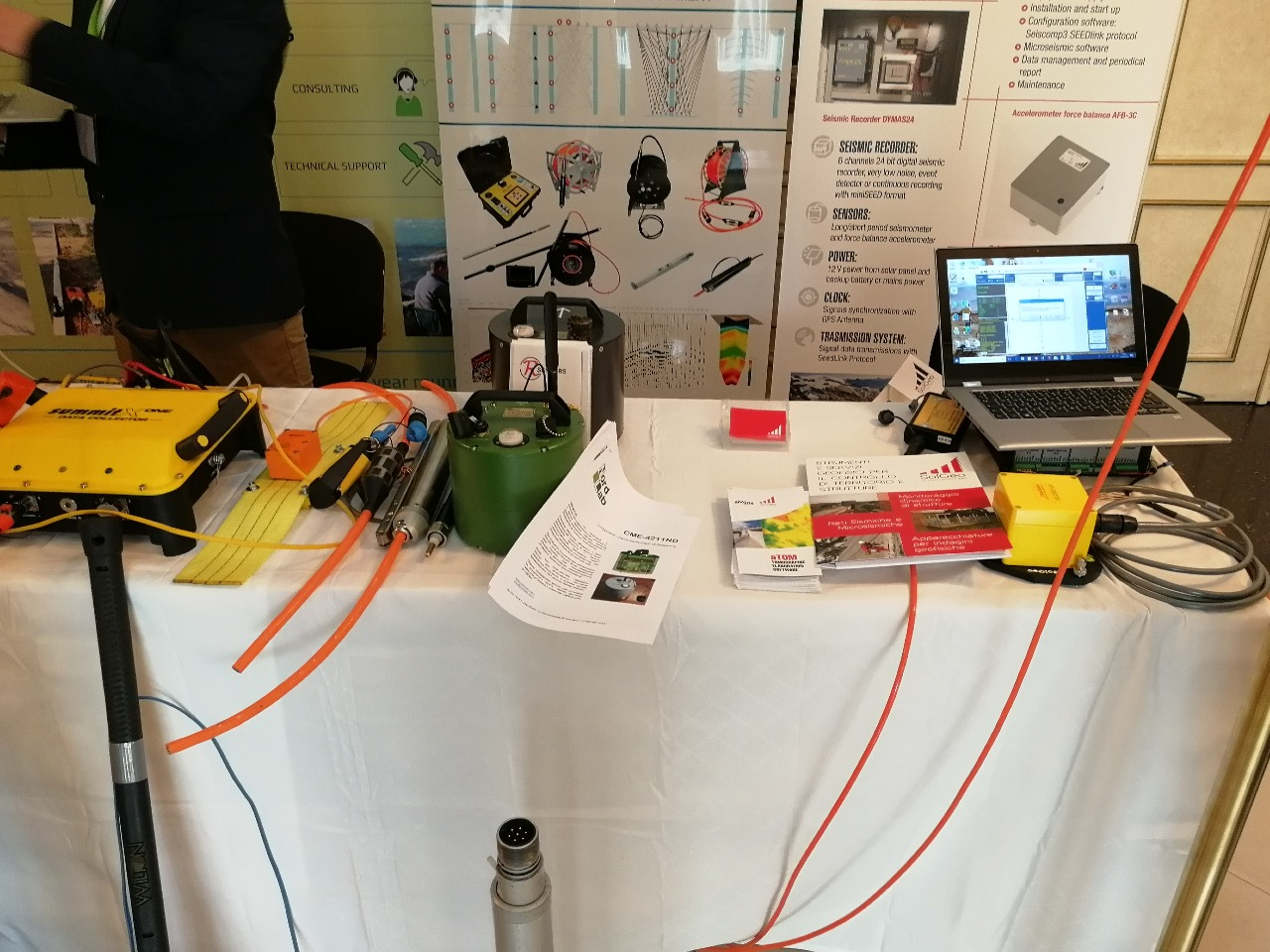 Seismic Sensors And Seismometers R Llc Sismografo Vibration Sensor Instruments By Were Presented In The 14th Conference Exhibition Engineering Mining Geophysics 2018 Held European